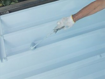 クールベビーブルーは日射反射率70.4%と遮熱性能の高い塗料です