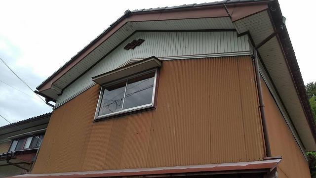 野々市市清金の波板トタンの張り替え工事の現場調査にいきました