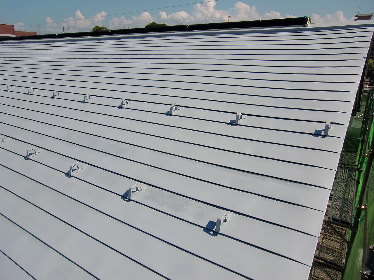 板金屋根下塗り完了