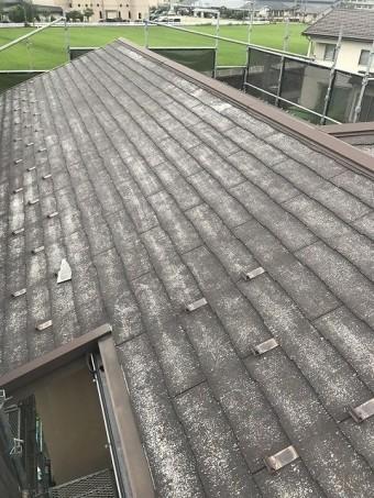 老朽化が進んだ屋根