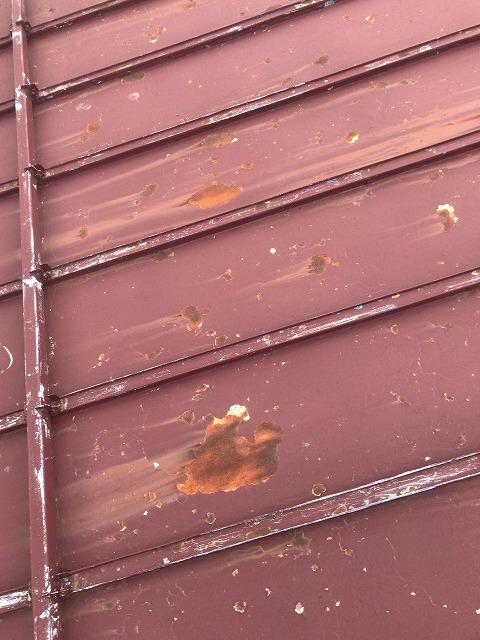 錆びた瓦棒葺き屋根